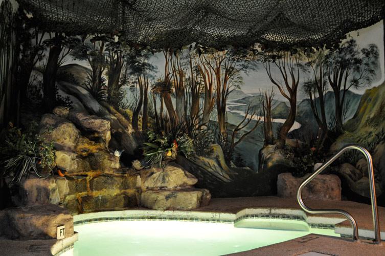 Gallery Paradise Suite